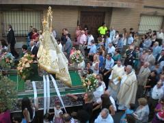 Fervor en El Casar en la multitudinaria procesión de la Virgen de la Antigua