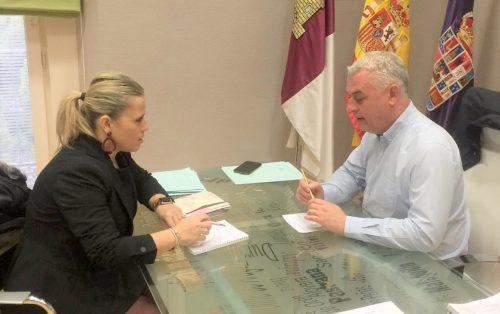 La alcaldesa de El Casar se reúne con el presidente de la Diputación Provincial de Guadalajara