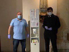El Ayuntamiento de Valdetorres de Jarama instala tótems con hidroalcohol, guantes y mascarillas desinfectadas