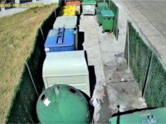 El Ayuntamiento de El Casar pone cámaras de vigilancia en los puntos de recogida de residuos