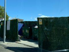 El Ayuntamiento de El Casar instala una nueva cámara en otro de los puntos de recogida de residudos