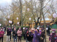 El Casar conmemora el Día Internacional contra la Violencia de Género con un precioso homenaje a las víctimas
