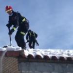 Los Bomberos de la Comunidad de Madrid trabajan para recuperar la normalidad en los centros escolares