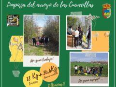 Vecinos de Valdepiélagos recogen casi medio centenar de kilos de basura del Arroyo de las Cuevecillas