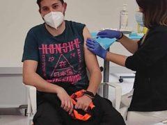 Agentes de Policía Local y voluntarios de Protección Civil de Fuente el Saz ya han sido vacunados